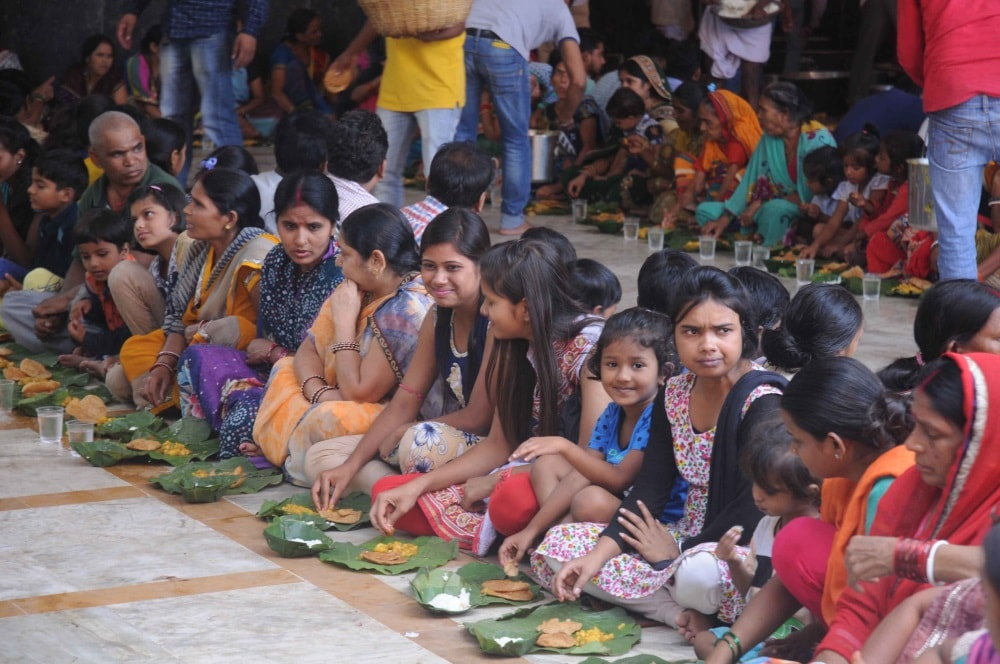 <p>Bhagwan Sri Ram's Chhathi Utsav was celebrated by devotees at the Ram Mandir,Chutia,Ranchi,capital of Jharkhand.</p>