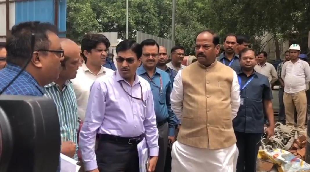 <p>Chief Minister Raghubar Das inspected the under construction Jharkhand Bhawan in New Delhi on Thursday. In this order, the Chief Minister gave several necessary instructions…
