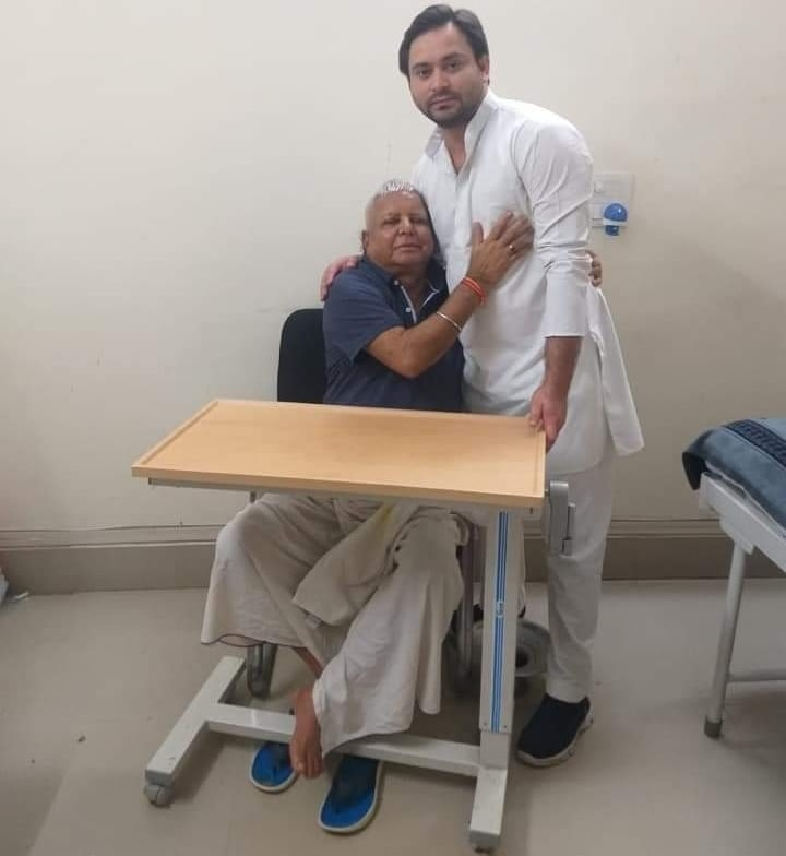 """<p>His son Tejaswi Yadav today met Lalu Yadav and wished him 'happy birthday' inside RIMS, Ranchi where he is undergoing imprisonment due to """"health reason"""".…"""