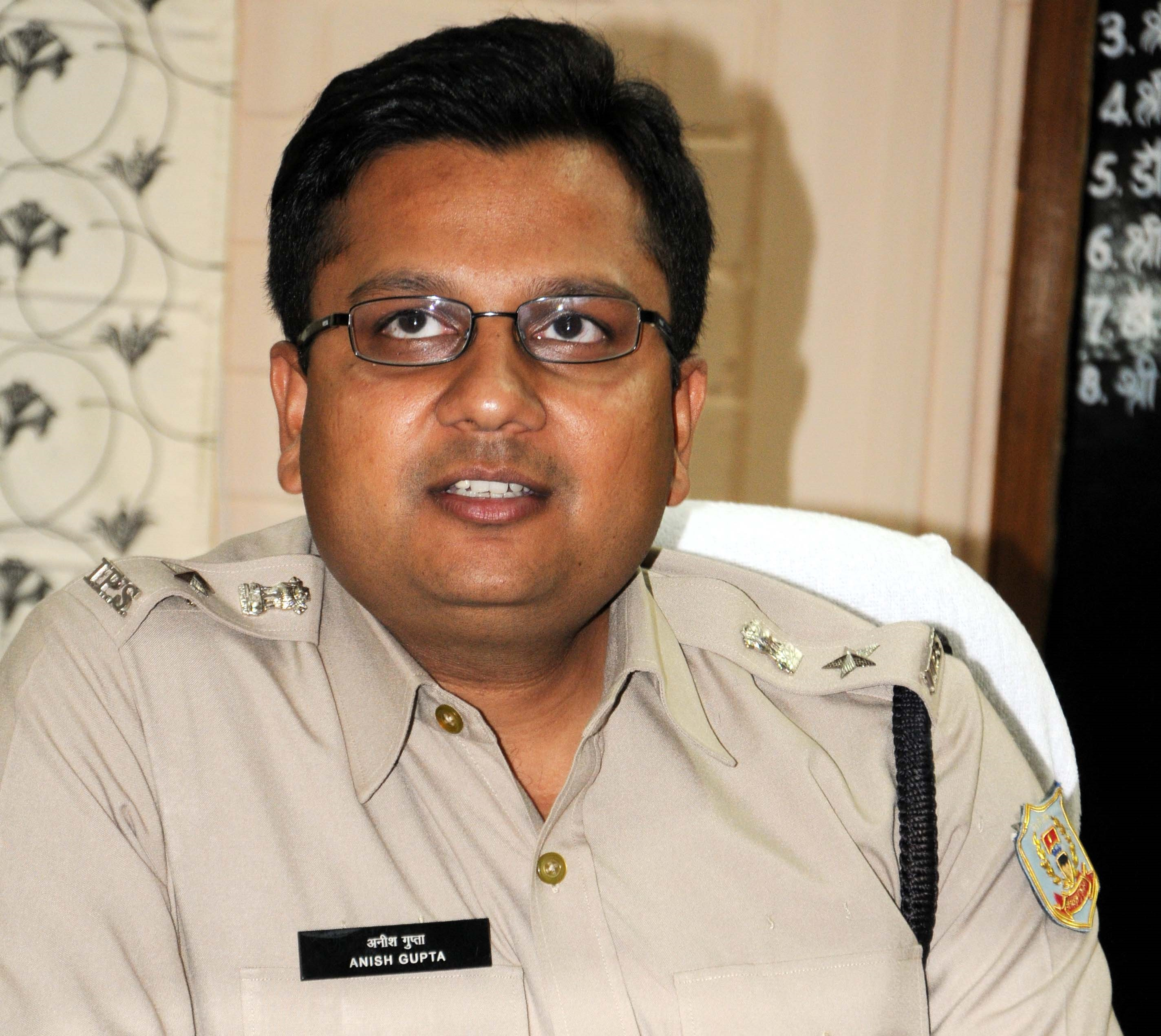 <p>Newly appointed SP Ranchi  Anish Gupta taking charge of his office.<br />