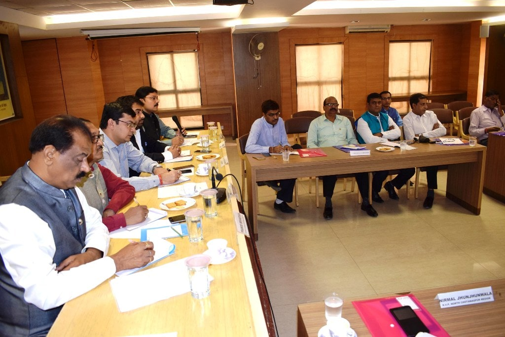 <p>Federation of Jharkhand Chamber of Commerce and Industries<strong> (</strong>FJCCI) President<strong> </strong>Ranjeet Kumar Garodia along with senior officials during…