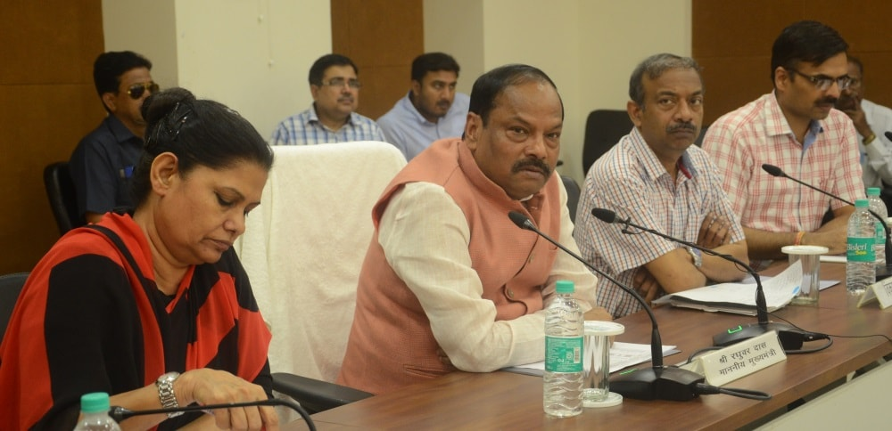 <p>Chief Minister Raghuvar Das said that we have to make a digital Jharkhand. People have to be provided better facilities. The villages has to be digitized, by setting goals and doing…