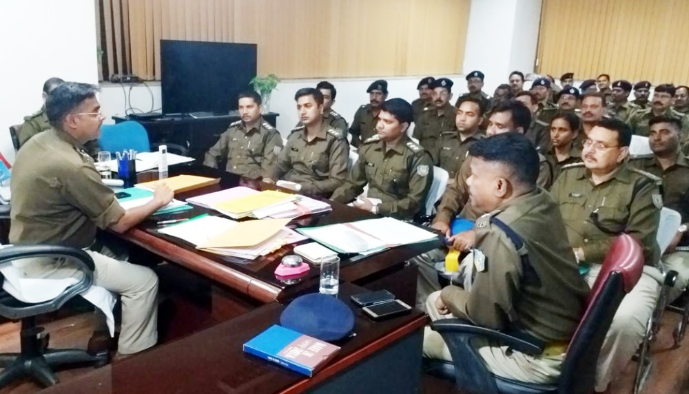 <p>RanchiSSP Kuldeep holds meeting with Dwivedi Rural SP Ajit Piter Dung Dung, DSPs and OCs on crime issue at his office in Ranchi on Monday</p>