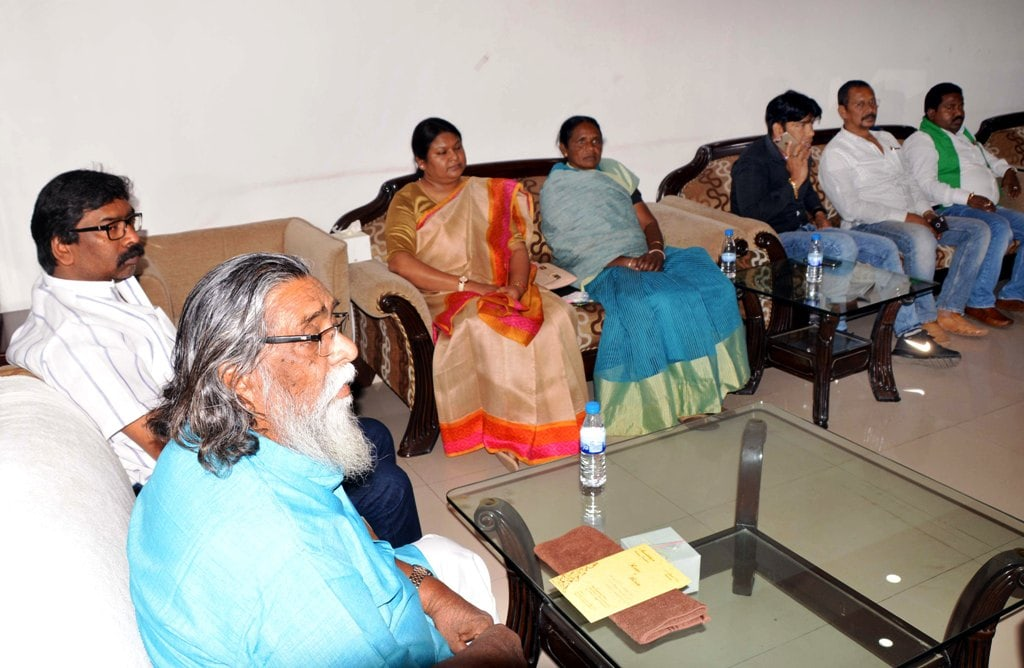 <p>JMM Chief Shibu Soren along with party working president and Opposition leader Hemant Soren and MLAs during a meeting at Morhabadi in Ranchi on Saturday.</p>
