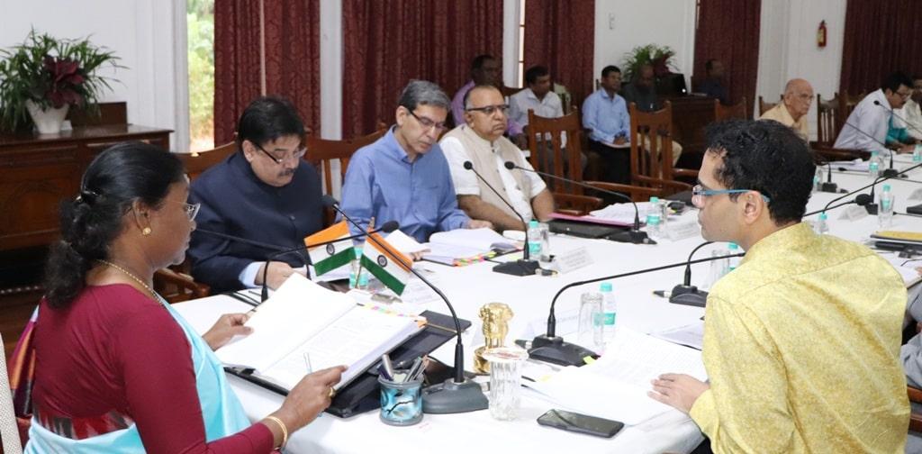 <p>माननीया राज्यपाल द्रैपदी मुर्मू ने आज दिनांक 11/10/2018 को राज भवन में आहुत राज्य सैनिक कल्याण निदेशालय की State Managing Comitee की बैठक को संबोधित किया |</p>