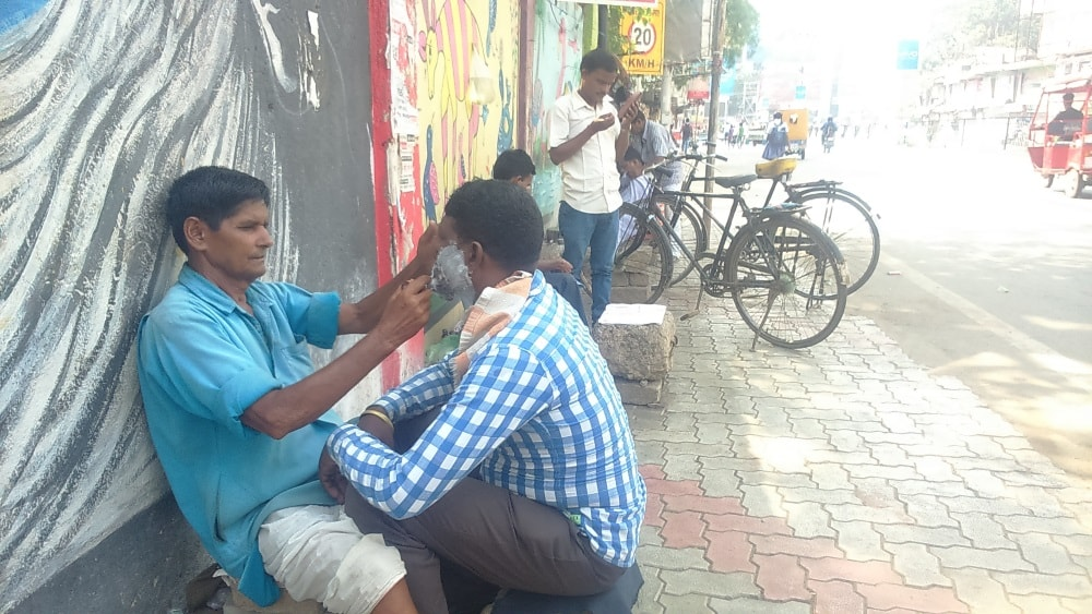 <p>No shop.No rent.No chair.He sits along the Main Road in Ranchi and opens his Saloon Dhaba.When customer arrives,he cuts hair and shaves as per his requirement at a minimum cost…