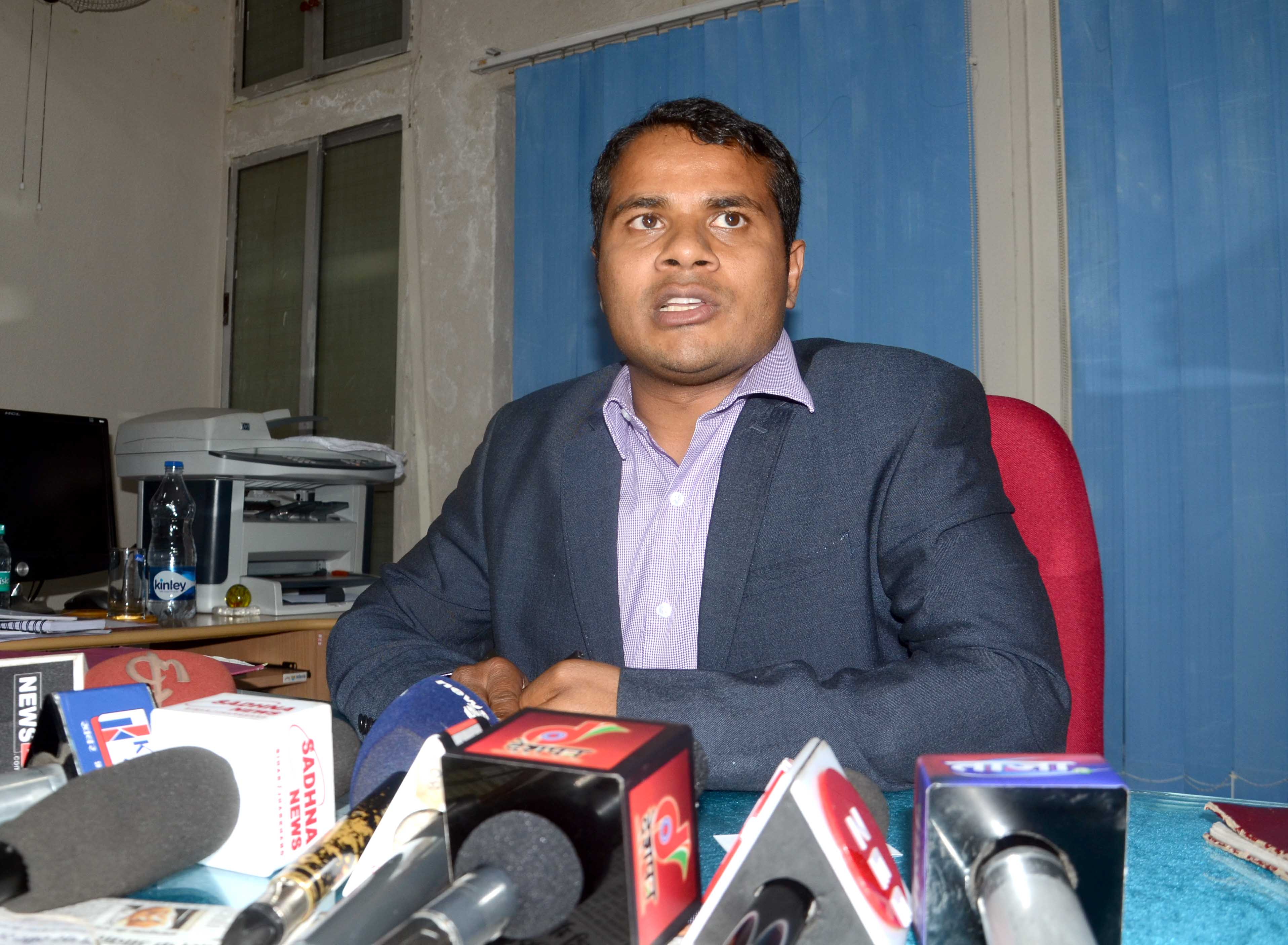 "<p>Newly appointed Excise Commissioner Bhor Singh Yadav addresses media persons at his  office in Ranchi on Wednesday.</p> <p>""A 24x7 toll free number – 0651-2400213,…"