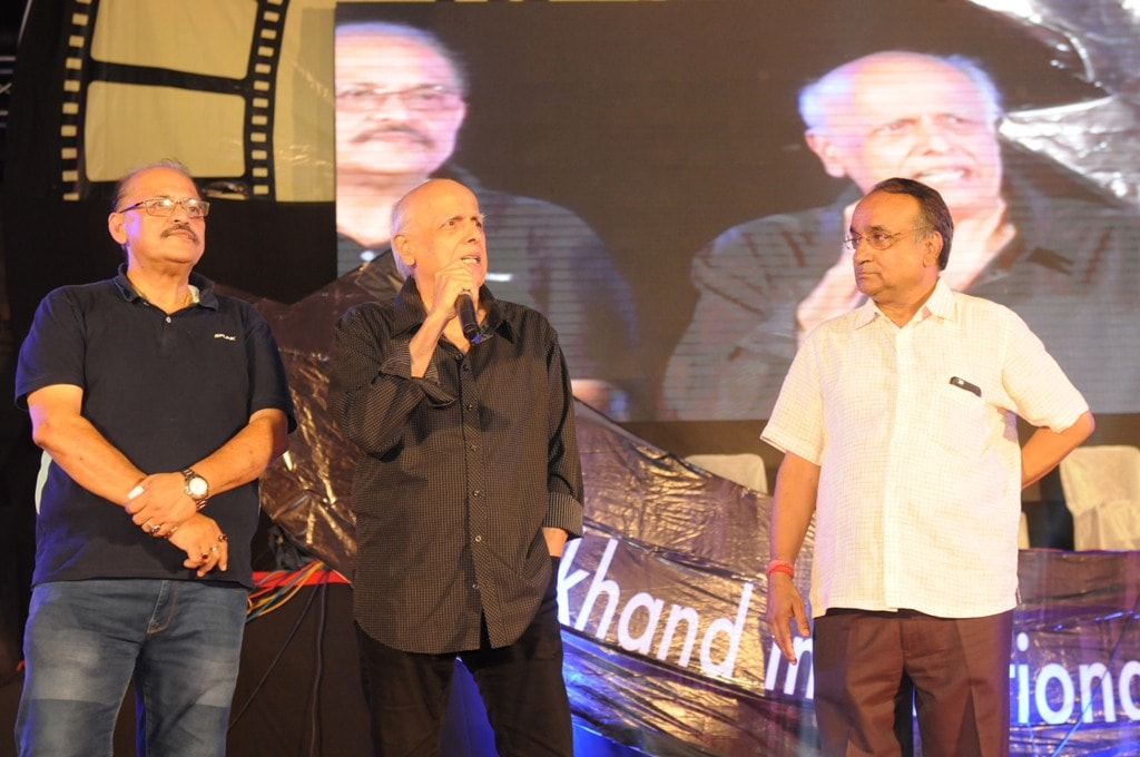 <p>Mahesh Bhatt along with others during the concluding day ceremony of Jharkhand International Film Festival Award 2018 in Ranchi on Sunday.</p>
