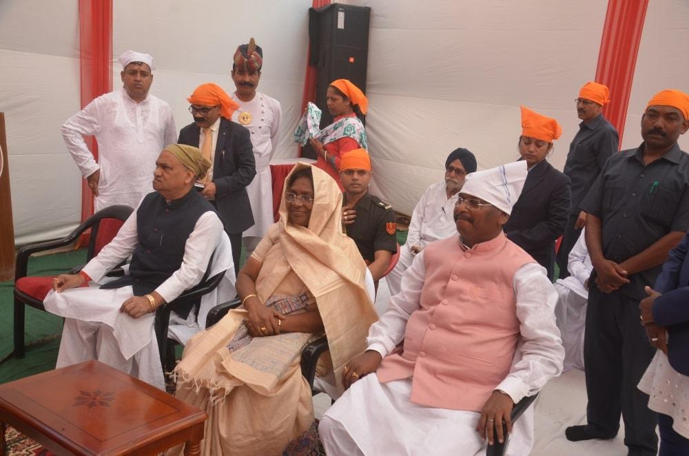 <p>Hon'ble Governor Draupadi Murmu participated in Guru Nanak Lighting Festival organized by Gurdwara, Shri Nanak Satsanga Sabha, Ratu Road, Ranchi today.Minister CP Singh and…