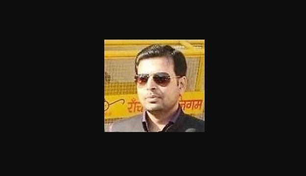<p>A veteran killer who is alleged to have murdered two brothers- Hemant Agrawal and Mahendra Agrawal- inside a private news channel's office in Ranchi, today surrendered before…
