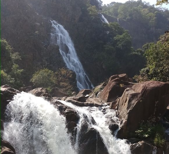 <p>A waterfall inside the forest of Netarhat area, Latehar district Jharkhand.</p>