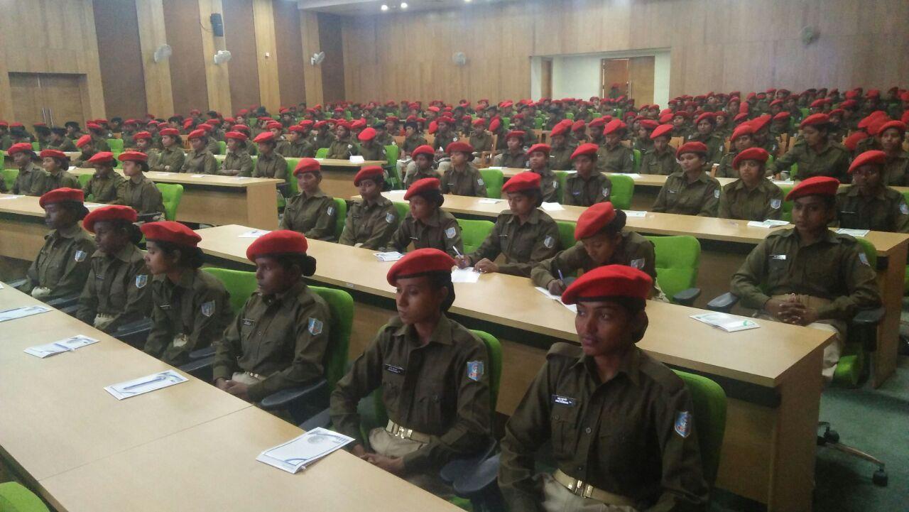 <p>प्रोजेक्ट भवन में राष्ट्रीय महिला आयोग द्वारा आयोजित महिला पुलिस प्रशिक्षु पर कार्यशाला का आयोजन किया |</p>