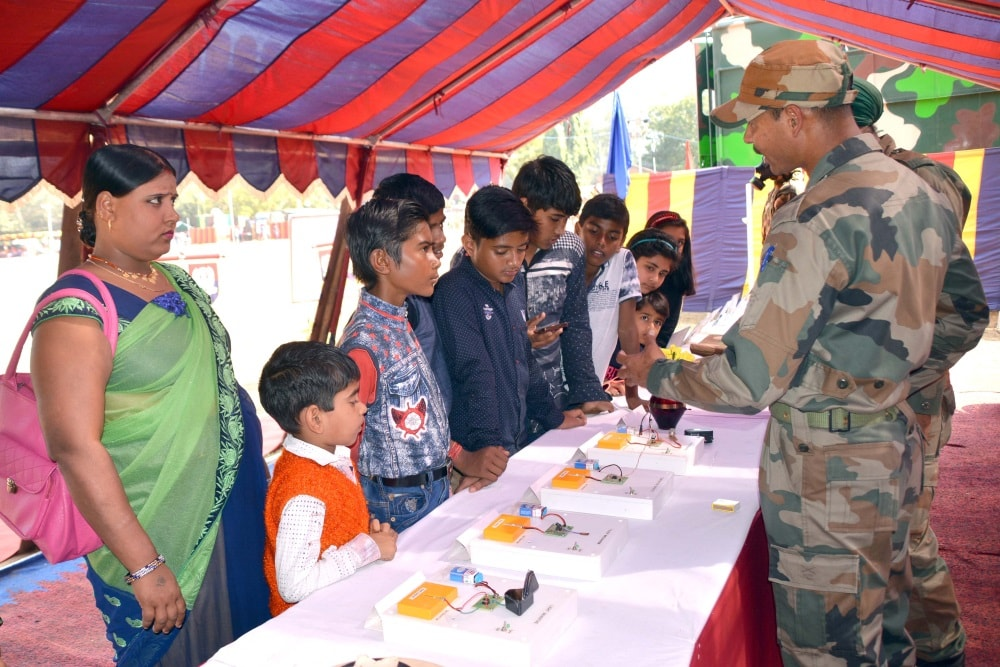 <p>With a view to promote youths to join the defence services, the Indian Army organised a 'Know your Army ' camp at morahabadi ground in Ranchi on Sunday.</p>