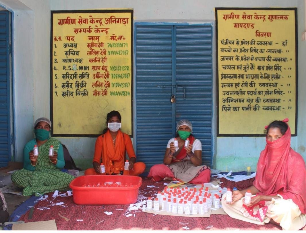 <p>Representational picture courtesy IPRD Jharkhand shows Self Help Group at work, manufacturing masks.</p>