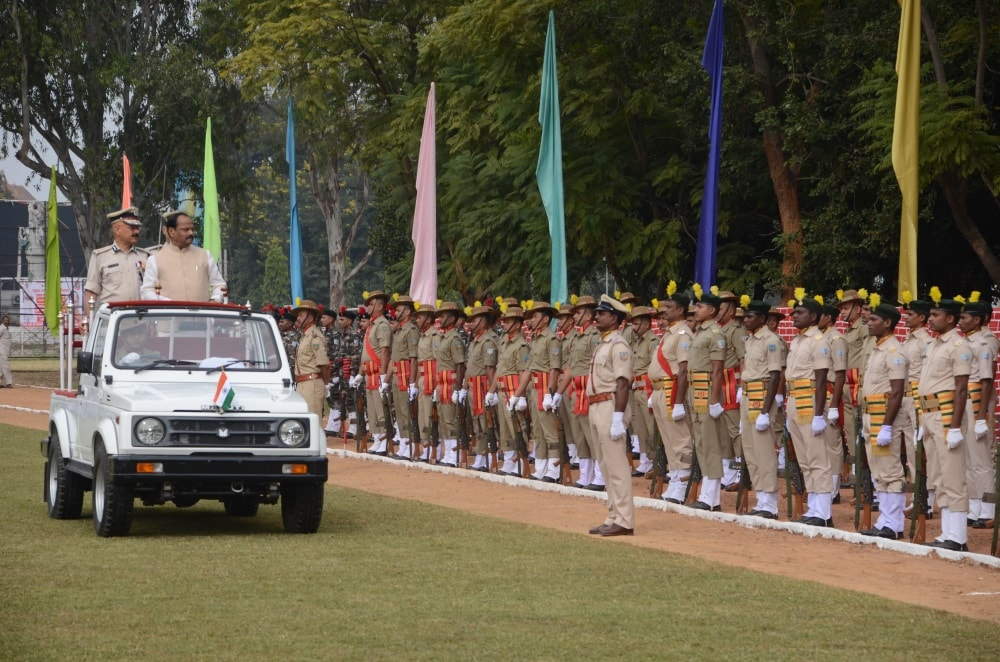 <p>On the occasion of Jharkhand Foundation Day Parade and Jharkhand Police Decoration Festival 2017, Chief Minister Raghubar Das inaugurated 25 new police buildings online. </p>…