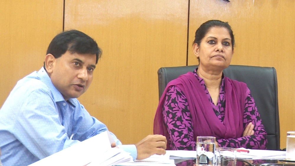 <p>Transfer land for rail projects,NH and freight corridor,CS Rajbala Verma directs District Land Acquisition Officers through video conference held inside Project Bhawan in Ranchi.</p>…