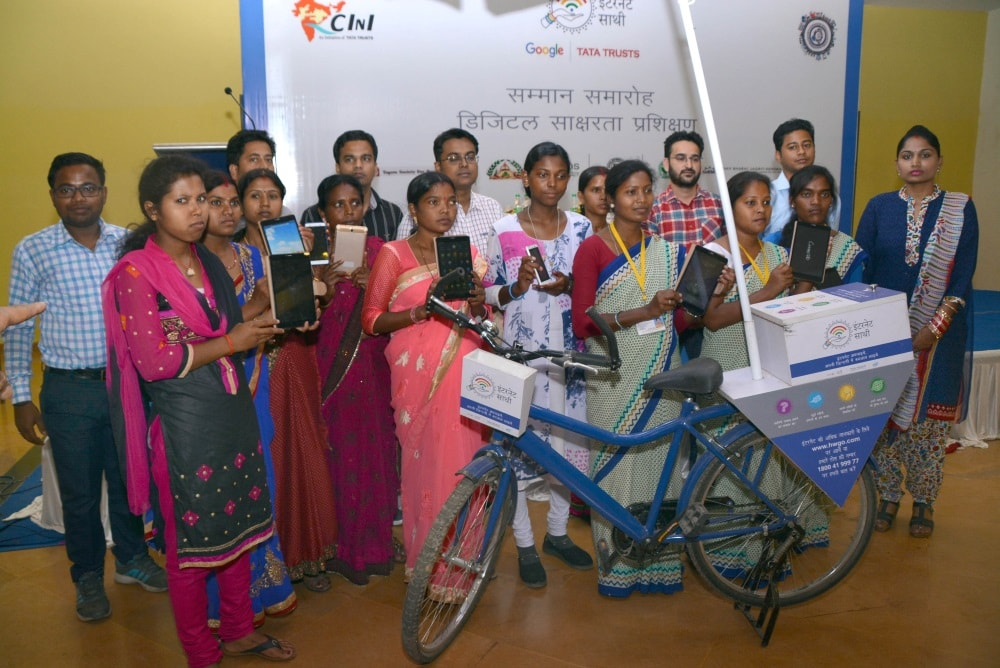 <p>Women showing Tablet and Mobile phones during the Tata Trusts organised empowerment programme at Ranchi based hotel on Thursday</p>