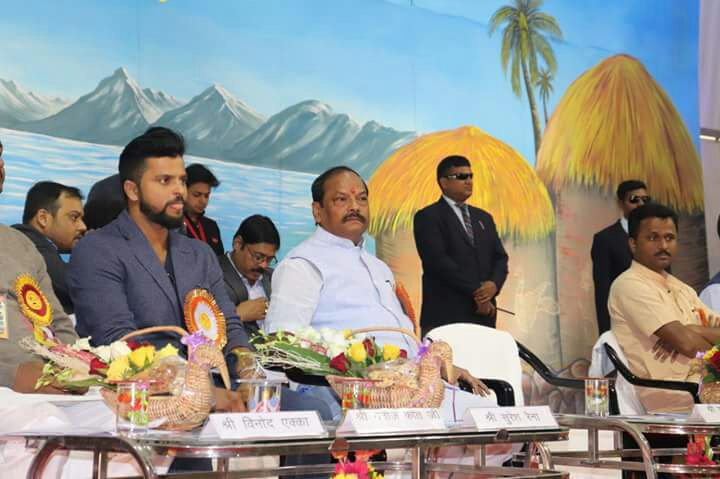 <p>The Jharkhand CM welcomed Suresh Raina, who was present at the 63rd National Conference of Akhil Bhartiya Vidyarthi Parishad (ABVP) at Morhabadi Maidan in Ranchi on Saturday.</p>…