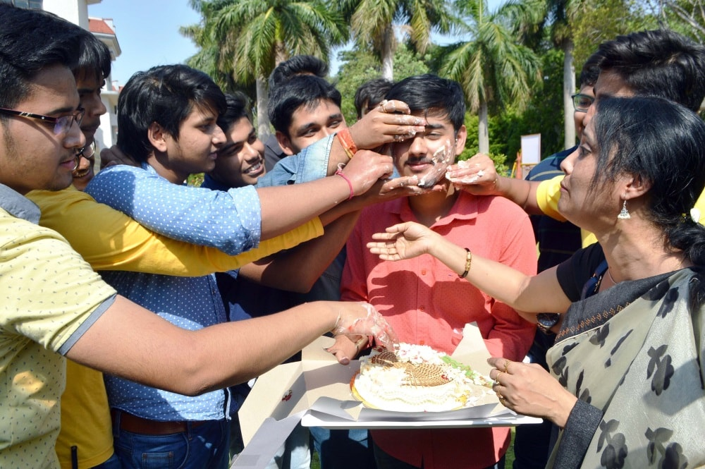 <p>Students of DPS enjoying their success after CBSE class 10thresults was announced in Ranchi on Saturday.</p>
