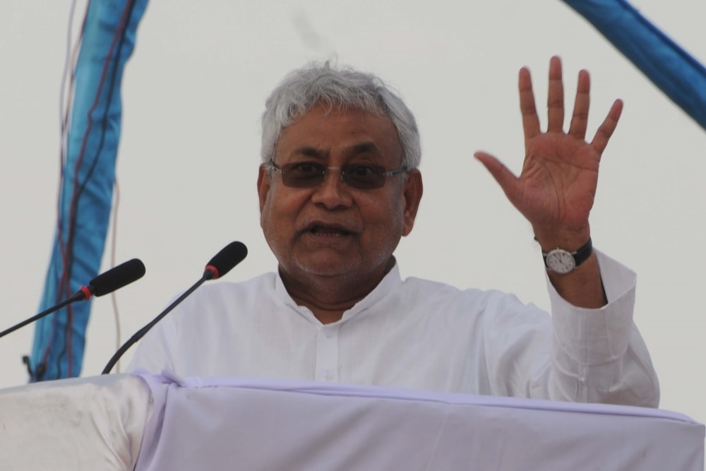 <p>Bihar Chief Minister Nitish Kumar addresses a gathering during Adivasi Sengal Abhiyan rally against Jharkhand Governments CNT/SPT Act at Morhabadi in Ranchi on Wednesday.</p>
