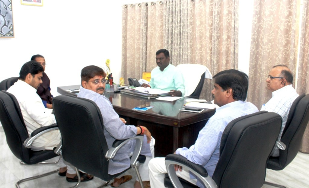 <p>Sports and Art-Culture Minister Amar Kumar Bauri along with MLA's Radhakrishna Kishore, Amit Mandal, Ramkumar Pahan and Home Secretary SKG Rahate during employment panel meeting…