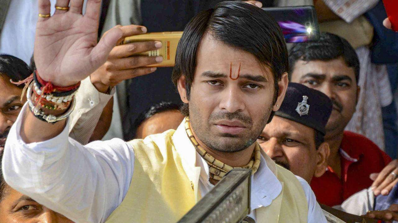 Lalu Yadav's son Tej Pratap violates law, booked in Jharkhand