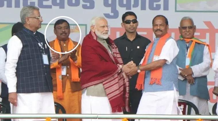 Murder accused stood behind PM Narendra Modi in Gumla