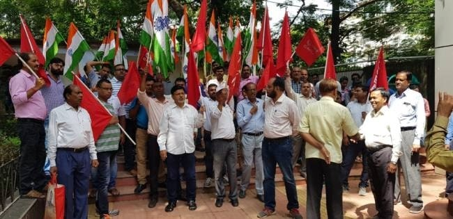 cil-workers-agitating-against-e-auction-of-coal-blocks