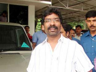 Hemant Soren calls BJP a 'loot' party