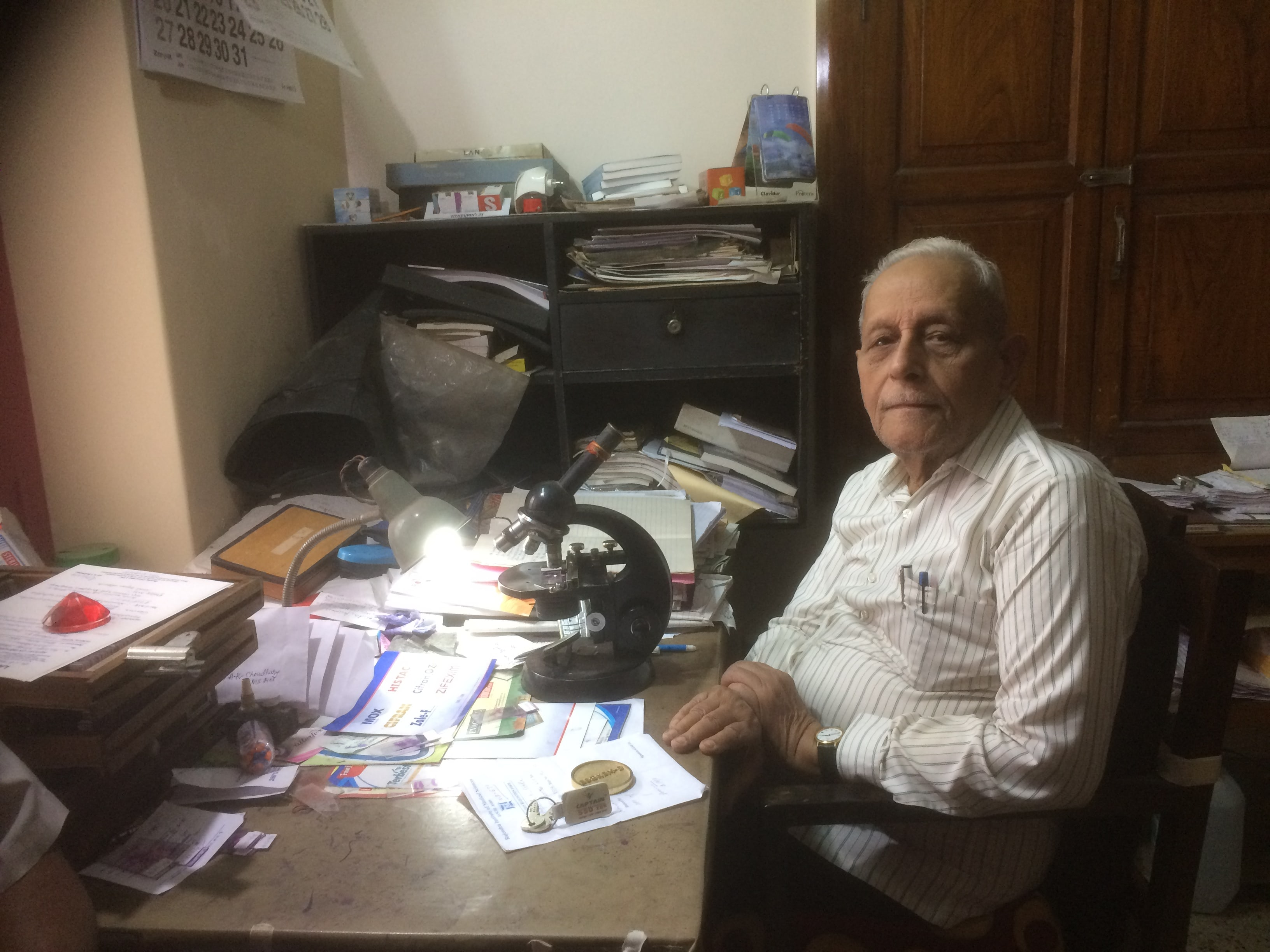 Dr SP Mukherjee takes Rs 5 to treat a patient, gains Roll of Honour