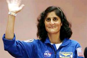 I had samosas in space,says Sunita Williams
