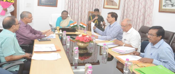 Governor chairs meeting to discuss on the opening of separate departments for tribal languages in the State Universities