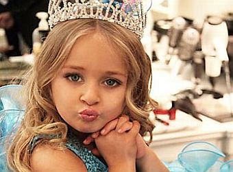 Among the youngest millionaires of the world is 6-year old British girl