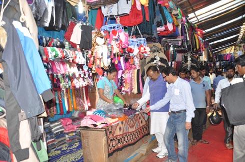Tibetans sale woolen cloths in Ranchi