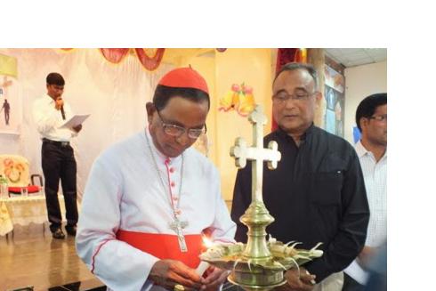 Civilians celebrate Cardinal Telesphore Toppo's birthday in Ranchi
