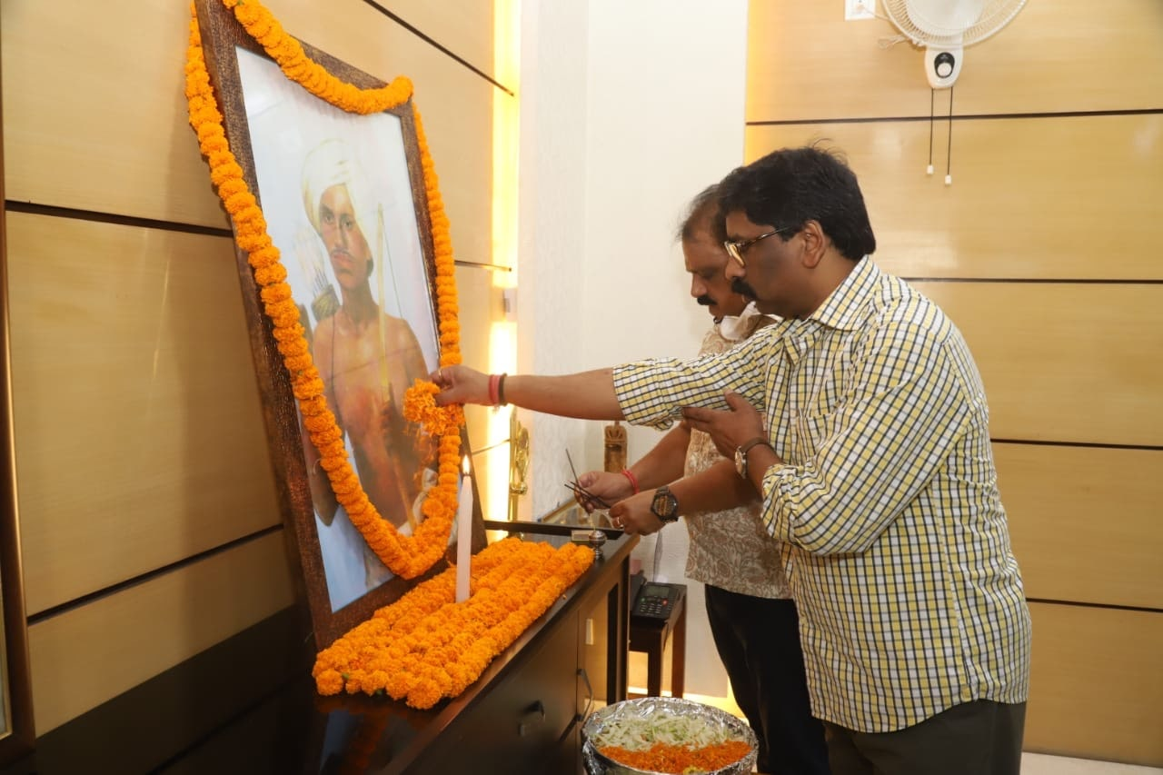 CM pays homage to legendary tribal hero Birsa Munda