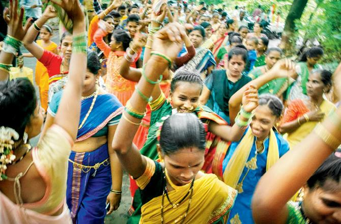 Tribals sing,dance marking International day of World's Indigenous Peoples 2018