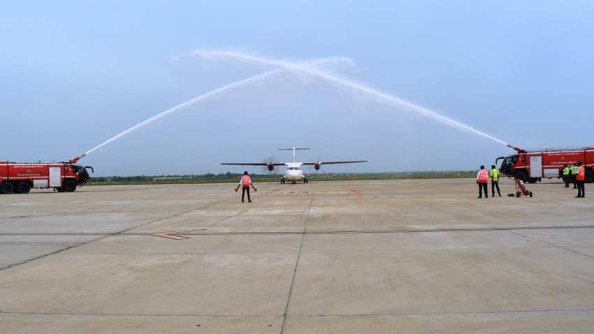 Develop Dhalbhumgarh Airport soon : CM