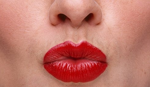 Turkey airline bans use of red lipstick by flight attendants