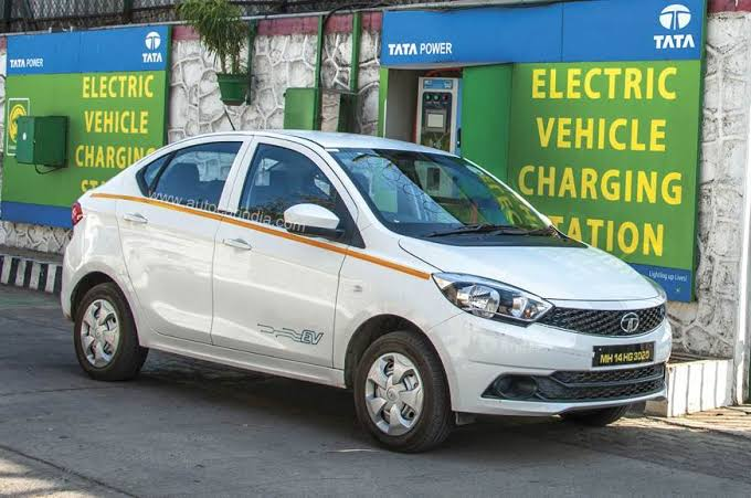 Modi government's reply sought by apex court on PIL for electric vehicles