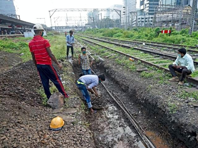 railways-gets-ready-to-face-monsoon-for-safe-movement-of-trains