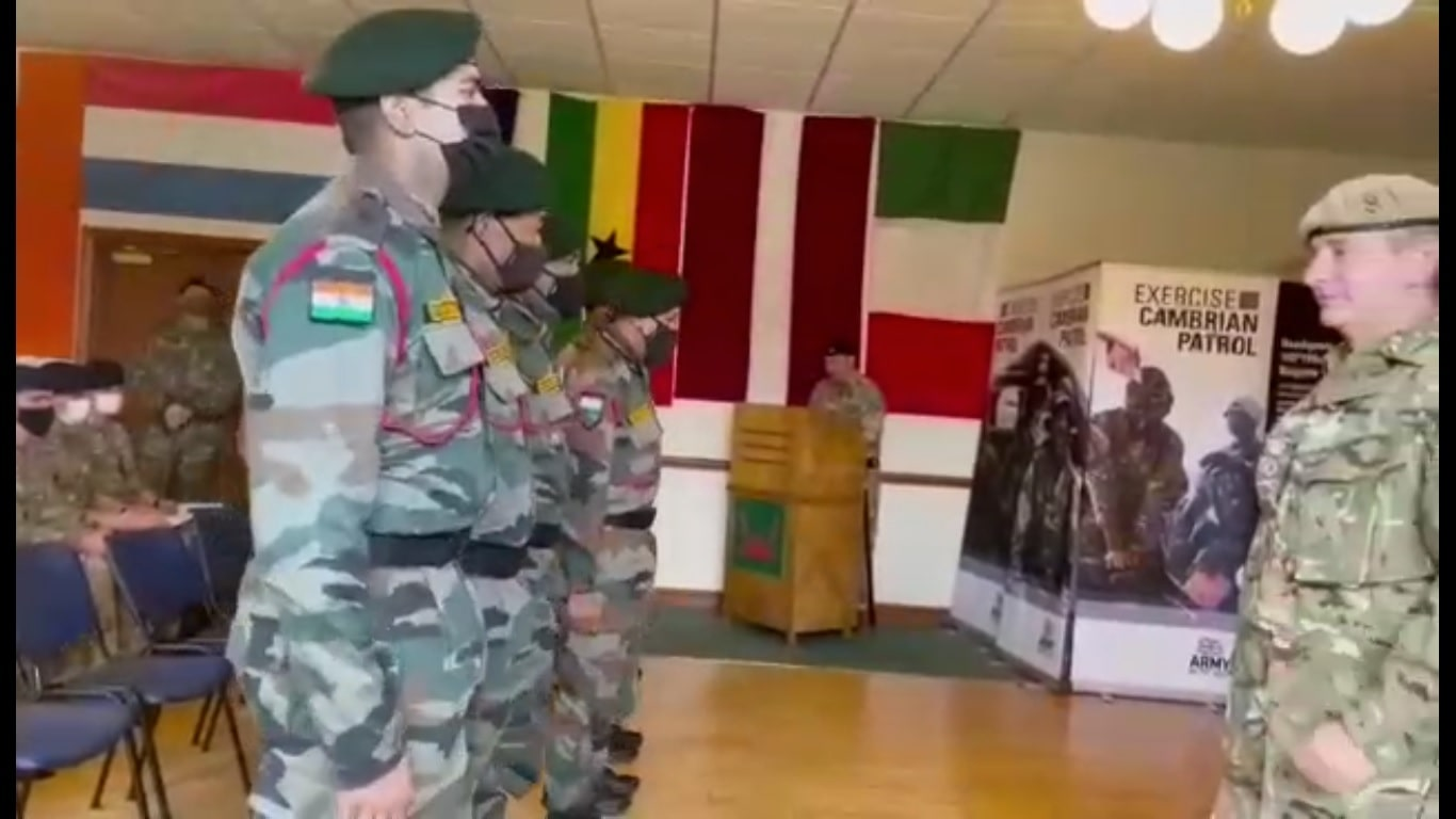 gorkha-rifles-get-gold-in-cambrian-patrol-exercise-2021-in-uk
