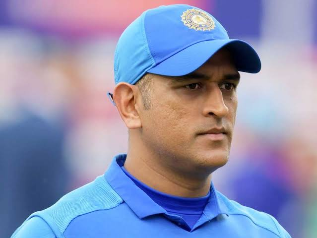 dhoni-retires-from-international-cricket