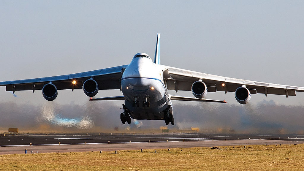 carrying-59-000-kg-payload-antonov-ani-124-land-at-kolkata