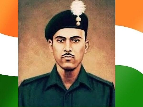cm-salutes-recipient-of-param-vir-chakra-abdul-hamid