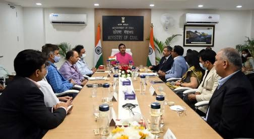 coal-ministry-signs-agreement-with-bidders-of-eight-coal-mines